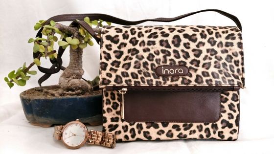 My Inara Stories: Small but spacious! (A cross body bag that can potentially be your bestpal!)